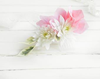 Floral hair comb Delicate wedding comb Boho bridal hair accessory Flower bridal comb woman Pink hydrangea headpiece Chrysanthemum hair