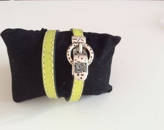 Bracelet double turn lime green leather.