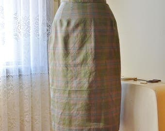 Checked In Skirt ~ Vintage 1960's checked pencil skirt