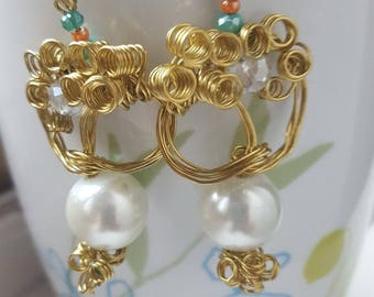 Handmade gold and pearl metal earrings