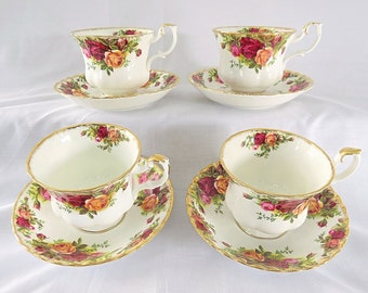 Vintage Royal Albert, Old Country Roses, Bone China England, 4 porcelain cups and saucers