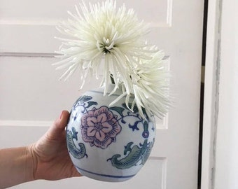 A Chinese Style Vase