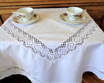 34'' Lace Square Tablecloth, White Lace Table Topper, Lace Doily, Vintage Table Linens, Wedding tablecloth