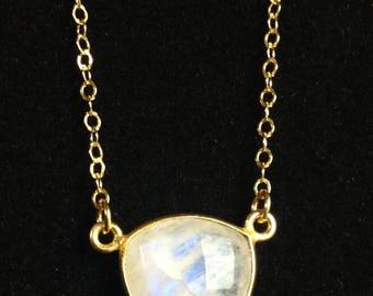 Moonstone Necklace, June Birthstone, Gift for Mom, Handmade Moonstone Necklace, Gift for Wife, Shiny Gold Chain, Moonstone Pendant
