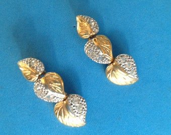 Vintage! Dangle pierced earrings clear stones, gold & silver tone textured 3 layer.