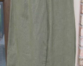 Ladies 100% green linen ankle length bloomers with ruffles