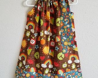 Pillowcase Dress Girls Dresses School Days by Riley Blake Back to School Dress Preschool Dress School Dresses Kindergarten Dress with Apples