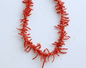 1950s branch coral beaded necklace / 50s vintage wild spike orange red branch coral / natural real sea coral bead asymmetrical collar