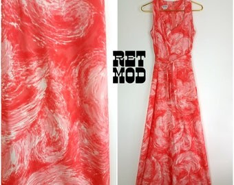 Vintage 70s Coral & White Swirly Psychedelic Maxi Dress by Doncaster