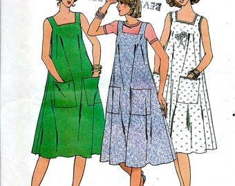 1970's Sleeveless Flared Summer Dress with Square Neckline , Butterick Sewing Pattern No. 6103 - Size Small