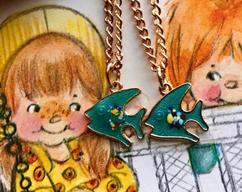 Twins Necklaces, Sarah coventry Necklaces, Fish Necklace, Guppy necklaces, Vintage Necklace Enameled Fish, Girl, Gift For Twins, #G120