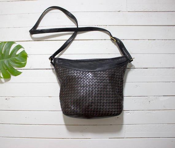 Vintage Leather Bucket Bag / Black Bucket Bag / Woven Leather Bag / Leather Shoulder Purse / Two Tone Leather Bag