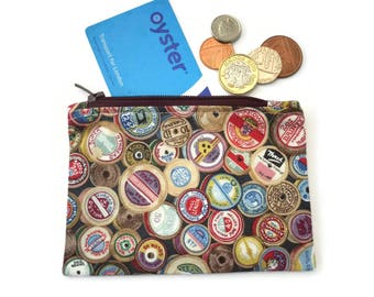 Sewing coin purse zipped