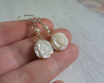 Mother of Pearl Earrings, Summer Earrings, Summer Outdoors, Summer Party, White Flower Earrings, Beach Chic Jewelry, Carved Flower Beads