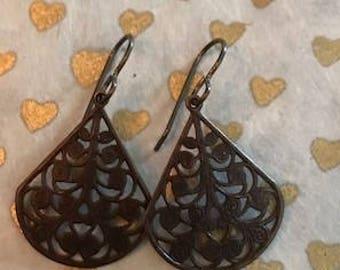 betty earrings