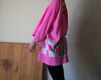 Hot Pink Kimono | ONE SIZE 90s vintage bright black and white health goth club kid UNISEX red kanji bell sleeve womens cotton robe