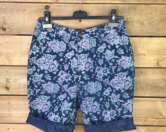 Vintage 90s Floral High Waisted Denim Shorts, Jean Shorts, Women's Shorts, Made in Canada, Size 31