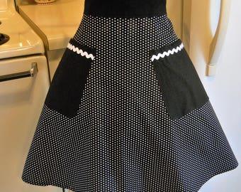 Women's Retro Style Half Apron in Black