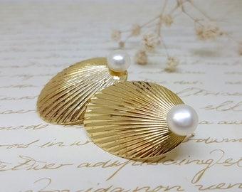 Pearl Earrings, Bridesmaid Earrings, Vintage Bridal Earrings, Wedding Jewelry, Gold Pearl stud earrings, Wedding pearls Earrings, pearl