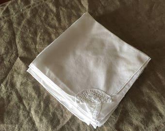 Eight VINTAGE table napkins. My vintage home.