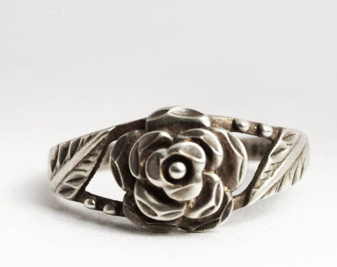 Silver Rose Ring, Floral Sterling Silver Ring, Minimalist Wedding Ring, Hand Carved Rose Ring, Bright Cut Rose, Size 8 1/2 Ring, 8.5 (V6944)