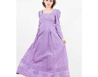 Vintage India cotton dress / 1970s lavender block print maxi gown / Puff sleeves / Prairie dress / India Imports of Rhode Island / M L