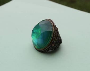 Beautiful Vintage Changing Color Decorative Brass Ring