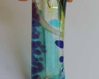 Jewish home blessing mezuzah case fused glass, Hebrew shin, green, blue dichroic