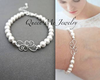 Pearl bracelet Classic Feminine Pearl wedding bracelet Swarovski pearl bracelet scroll design For a bride, Mother of the bride Jewelry KAY
