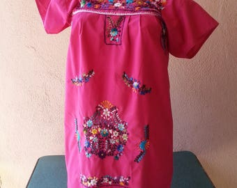 x small Mexican embroidered dress vintage 90s