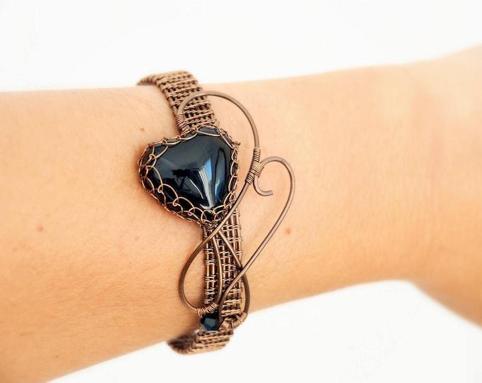 Black heart wire wrapped bracelet