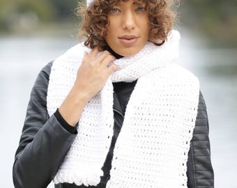 Adorable soft white hat & scarf