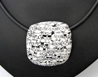 Katzen Halskette aus handgefertigten Polymer Clay,  Fimo, schwarz-weiß