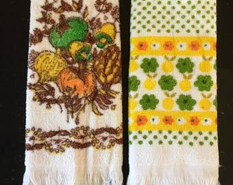 Vintage FALL Kitchen Towels / Set Of Two 1970s Autumn Dish Towels