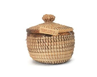 Venezuela Herb Baskets Traditional Coiled Sweetgrass Container Canaima N.P