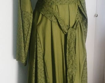 XL Merchant Dress and Ring Belt in Ivy Green