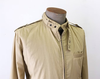 1980s STREET MOVES Men's Member's Only Style Jacket Vintage 80s Tan Brown Thin Windbreaker Cafe Racer Type Jacket / Coat - Size MEDIUM