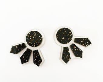 Seeker Studs in Black Copper Glitter