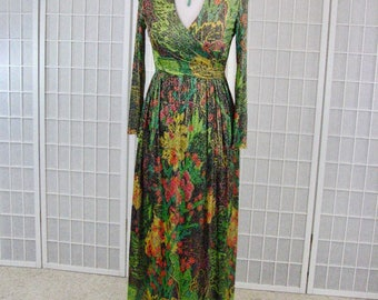 1970s  Tropical Abstract Metallic Knit Long Sleeve Dress ........ size 4 to 6