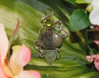 WA Jann Djinni inspired vessel - Handcrafted Prehnite Peridot pendant necklace