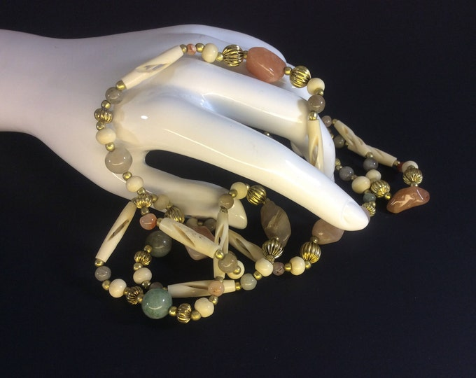 Vintage agate and aventurine beaded necklace, beautiful vintage necklace, vintage jewelry, long vintage necklace, vintage jewelry