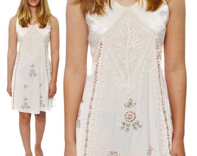 Vintage 90s Magic Ethnic Prairie Sleeveless Indian Floral Embroidered Dress