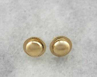 Simple, Polished Starburst Gold Disc Stud Earrings KKN9F8-N