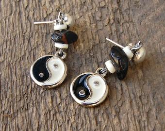 Yin Yang Earrings, Yin Yang Jewelry, Ying Yang Earrings, Black and White Earrings, Boho Earrings, Zen Jewelry, Gemstone Jewelry, Bohemian