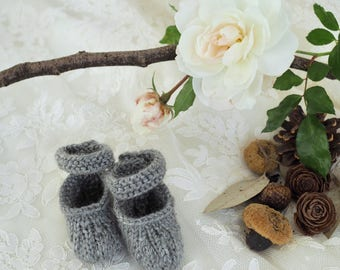 New!~Hand Knit Baby Shoes ~Knit Baby Booties ~ Hand Made Baby Gift ~ Gray Baby Booties ~Grey Baby Booties ~ Newborn Baby Booties