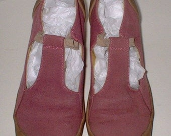 Camper PURPLE Mary Jane Heels Shoes Size 38 like a size 7M