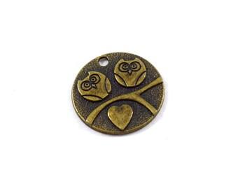 1 Brass Owl Pendant, Round Pendant, Antique Brass Tone Pendant, Brass Pendant, Bohemian Pendant, Boho Pendant