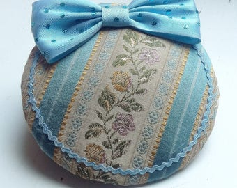 "Headpiece, Fascinator ""folklore"", lightblue and beige"