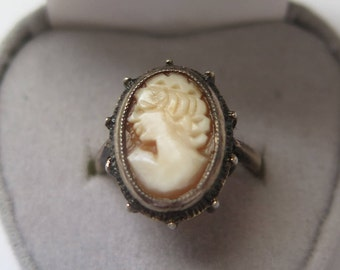 Vintage Art Deco Cameo Ring, Silver And Shell Cameo Ring, Statement Ring, Chunky Ring Size O / US Size 7 1/4