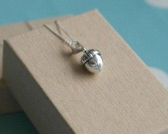 Acorn Necklace - Sterling silver acorn necklace - Silver acorn pendant - Acorn charm necklace - Autumnal necklace